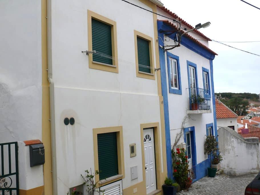 Petite maison de pêcheur typique. - São Martinho do Porto - Huis