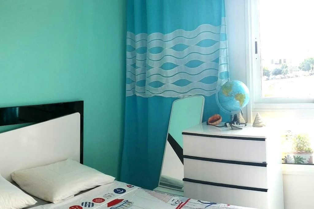 Уютная комната c Wi Fi, юг Тенерифе - Cho - Huoneisto