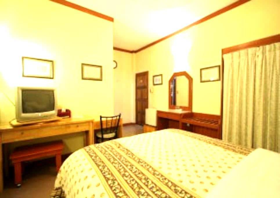 Comfy, Convenient, Clean-Buakao Inn - Ko Pha-ngan - Bed & Breakfast