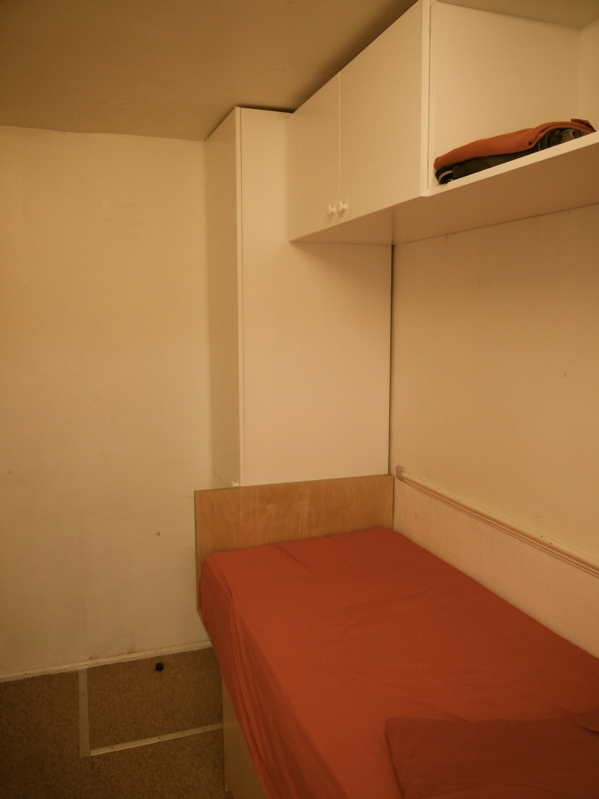A small single room for a male.(R)