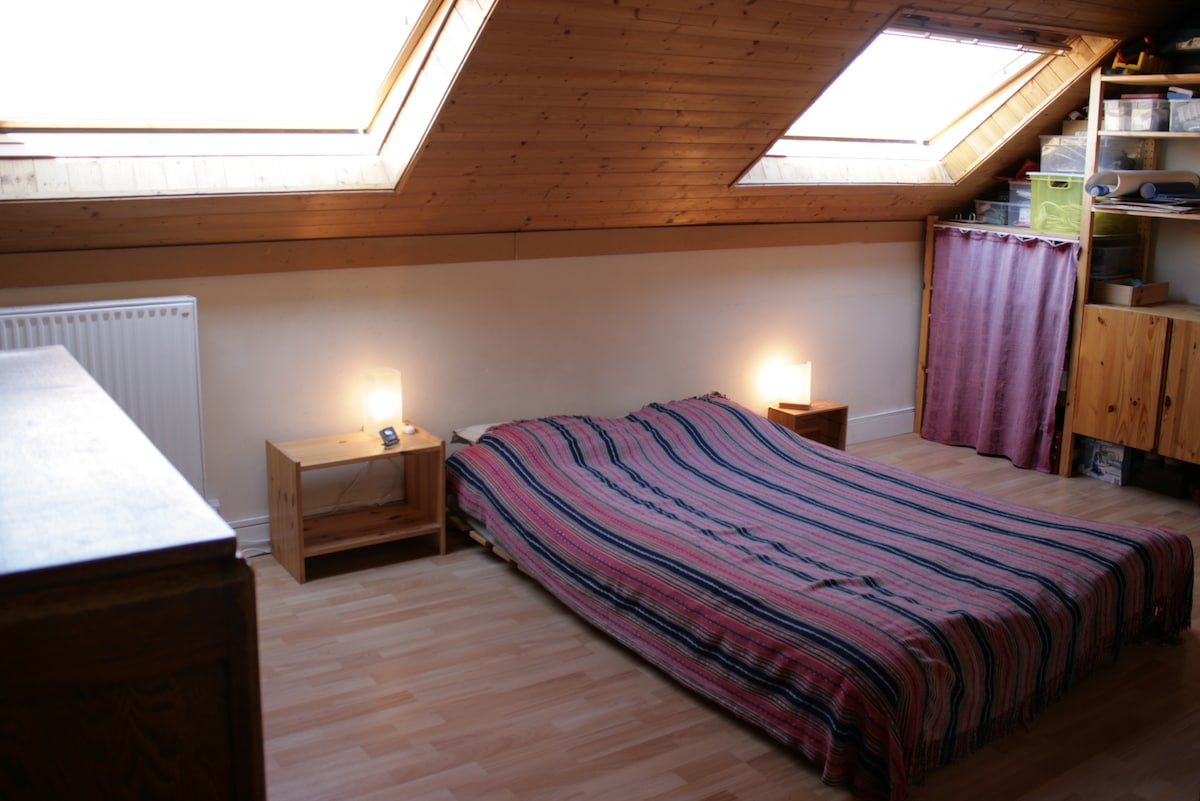 chambre avec lit 2 places / room with double-bed
