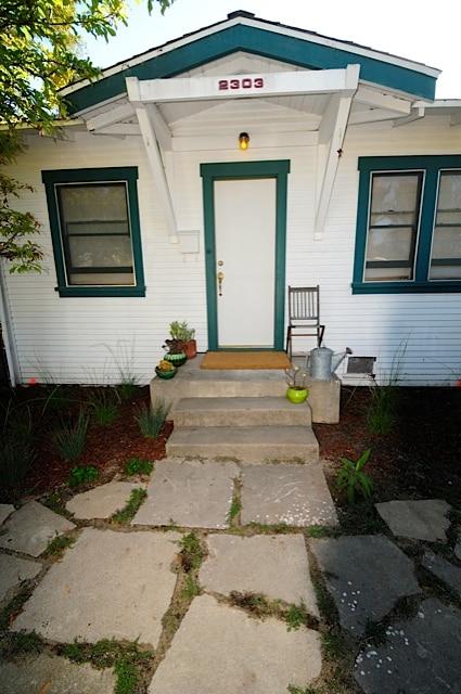 vintage venice beach cottage & yard