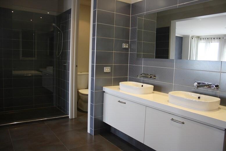 Private Ensuite Room 1 in Melbourne