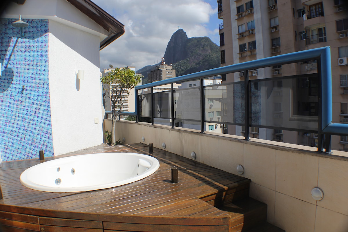 Penthouse Christ/ Sugar Loaf view!