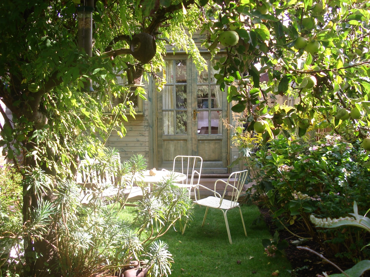 A secret haven, tucked away in an Oxford garden ...