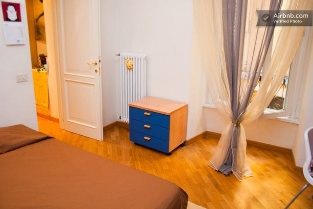 Da Vinci Room: king size bedroom, cosy and comfortable, with a  lot of space in the shelves