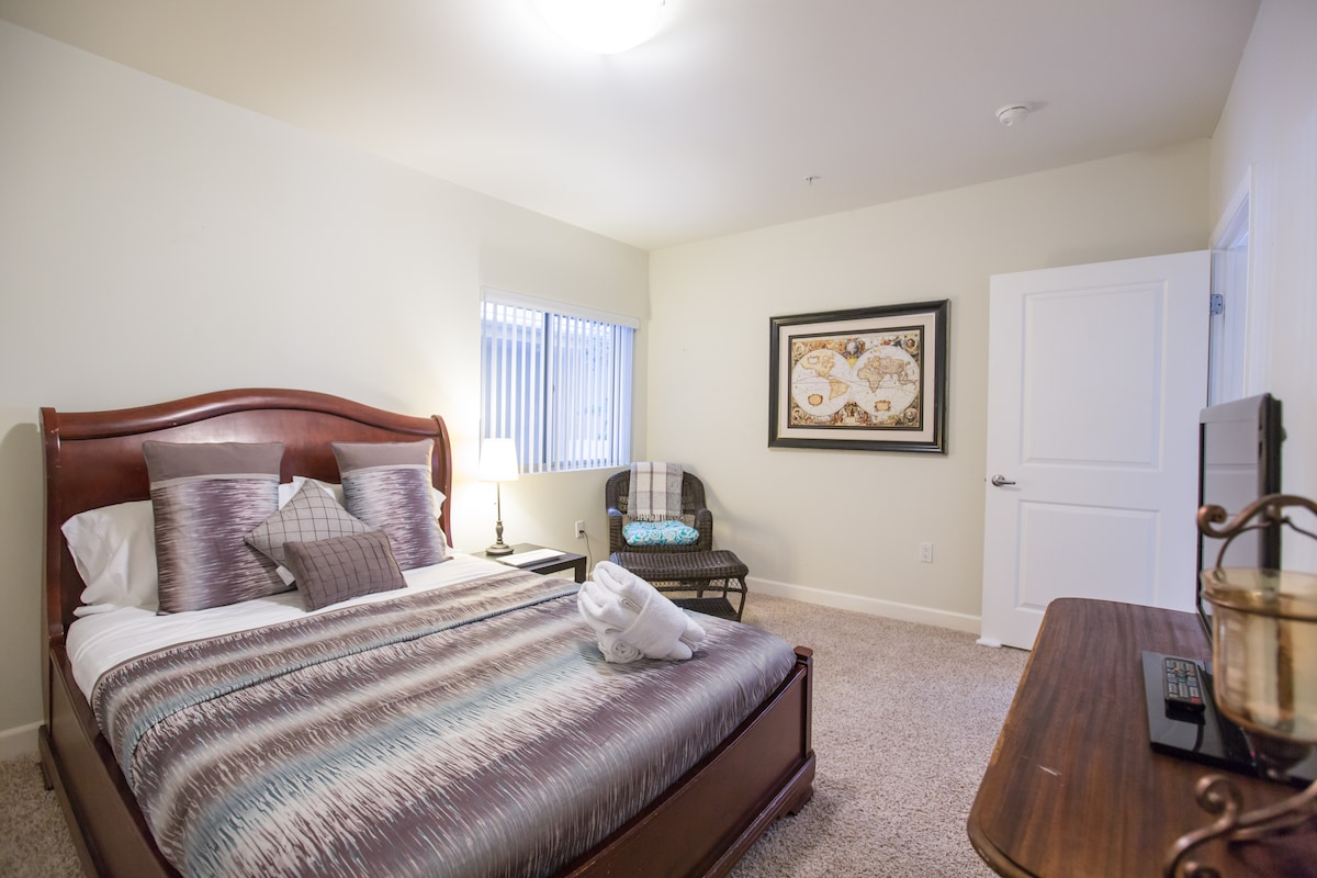 Spacious Room with Real Queen Bed