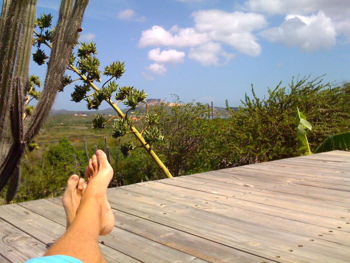 Curaçao B&B rustic hilltop getaway