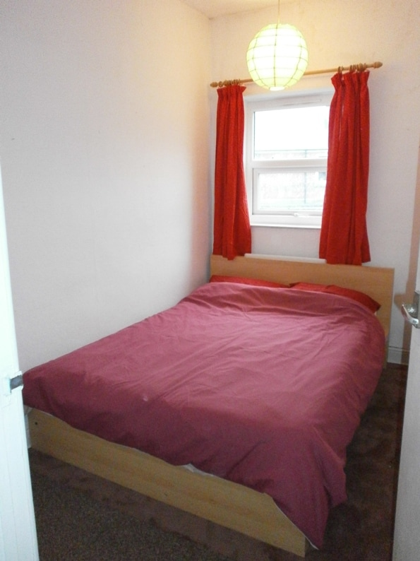 Cheap double room in Sheffield