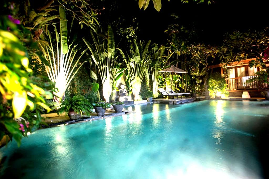 King Single in Private Villa; Pool, 200m to beach. - 南デンパサール