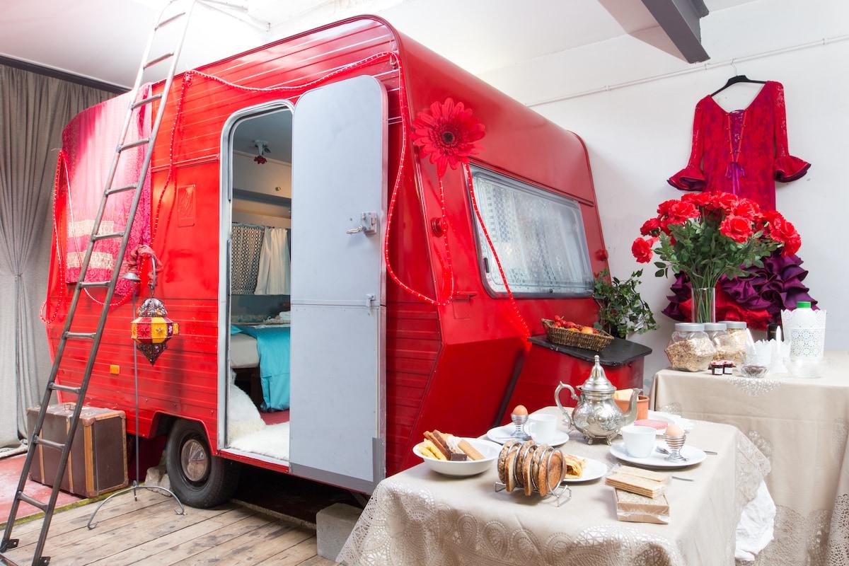 Caravan(Pavilion)in Theatre-Atelier