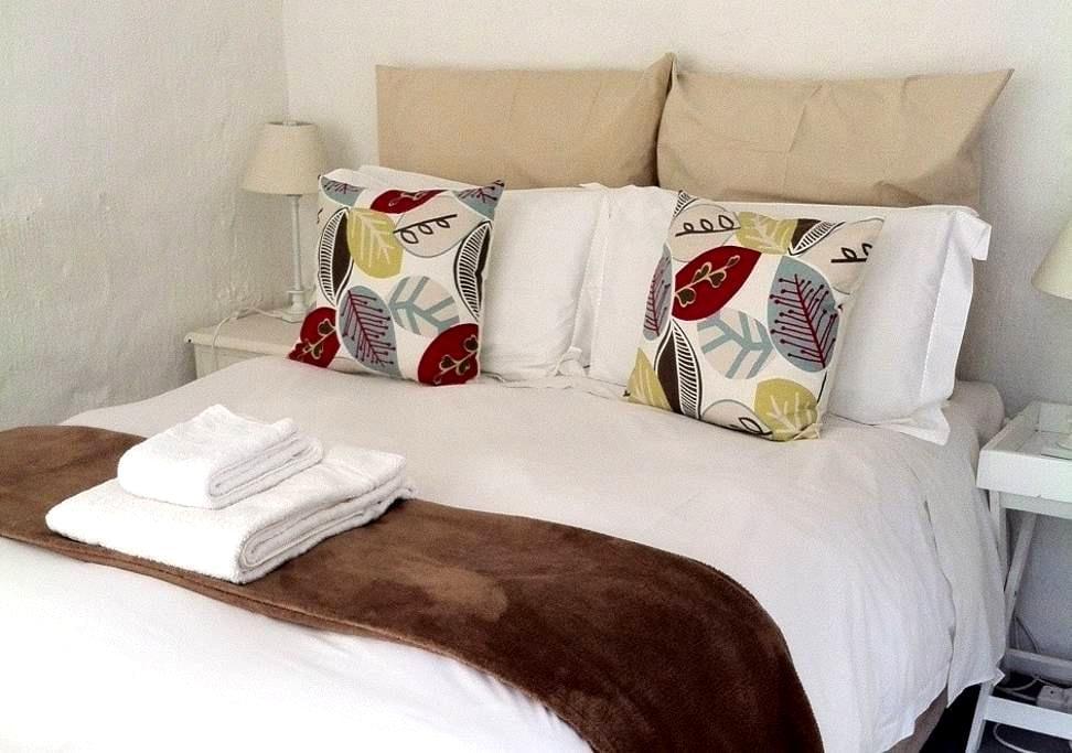 Flowerpots - Quaint Room - Johannesburg - Bed & Breakfast