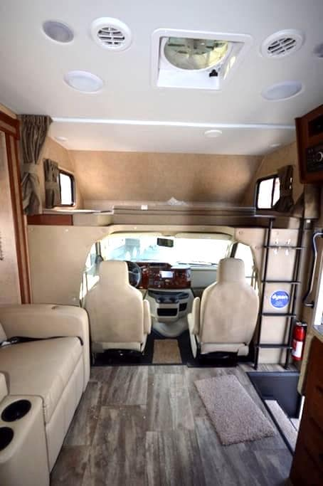Brand New RV  for your Traveling Adventures! - Mayfield - รถบ้าน/รถ RV