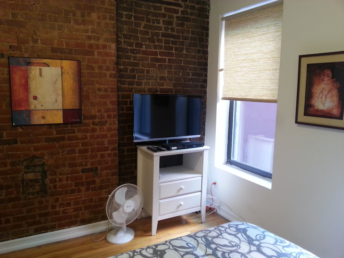 GREAT BRAND NEW 1 BED! TIMES SQ!!!!