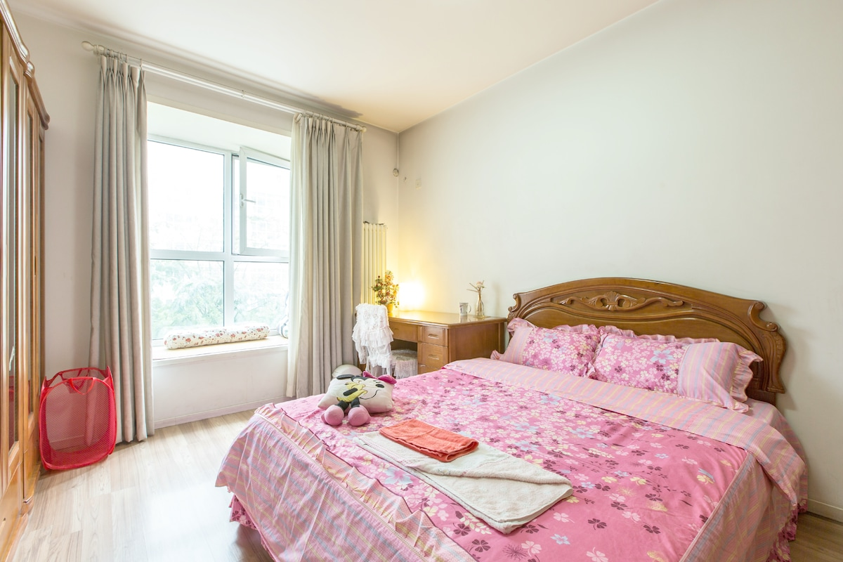 Juliet Room - garden view with balcony in an exclusive estate.