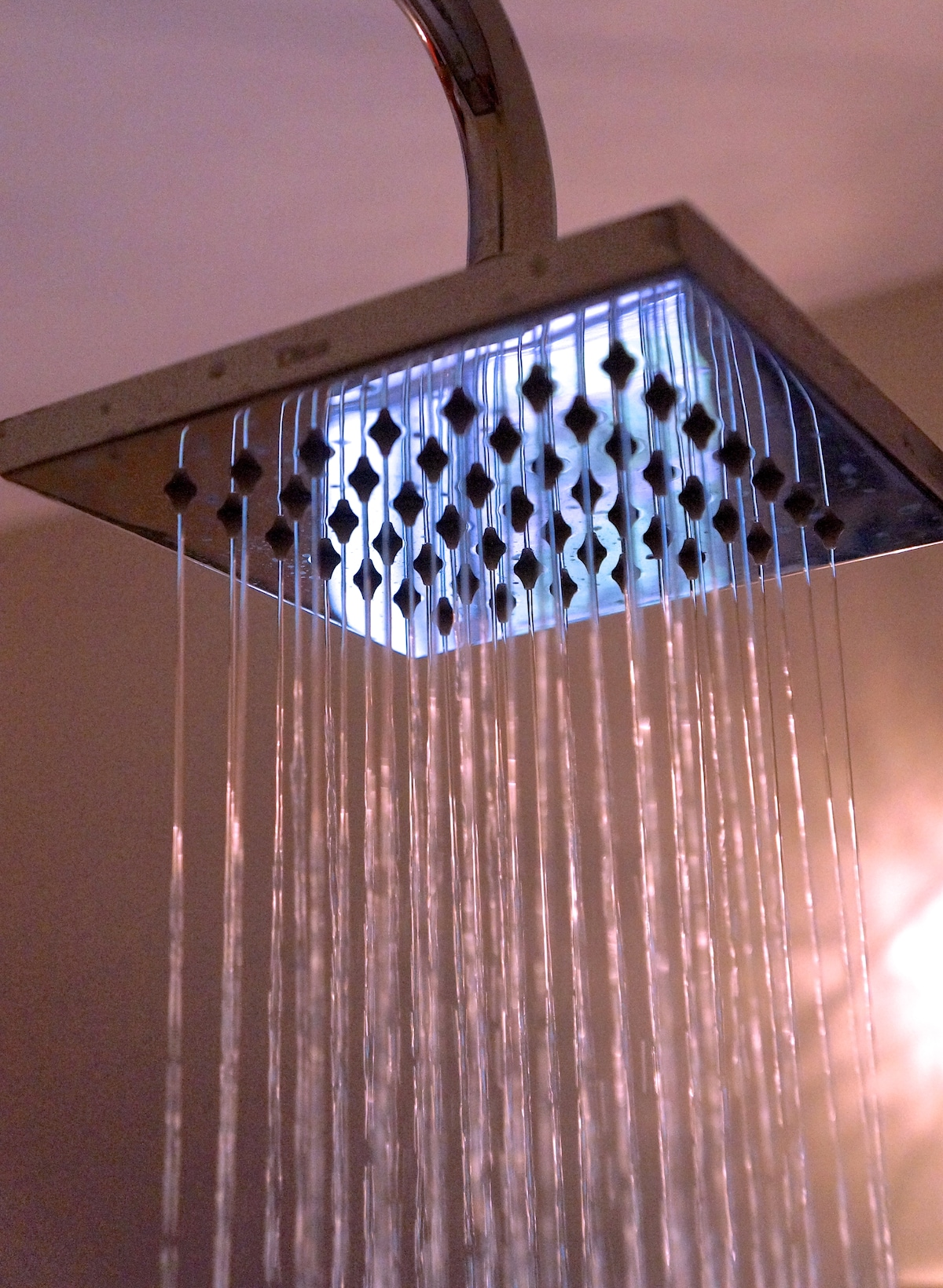 Rain shower head with excellent pressure in all bathrooms