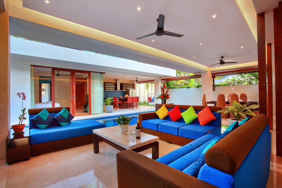 Lounge in the day time
