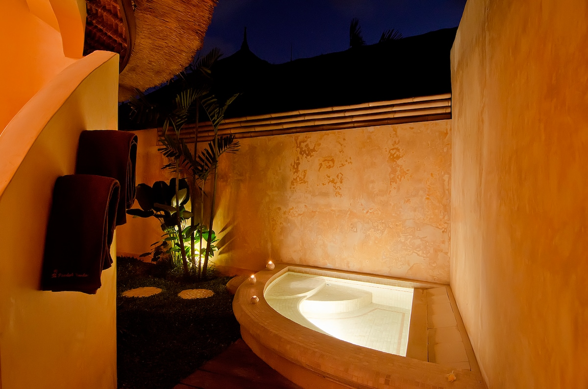 small chill-out garden pool