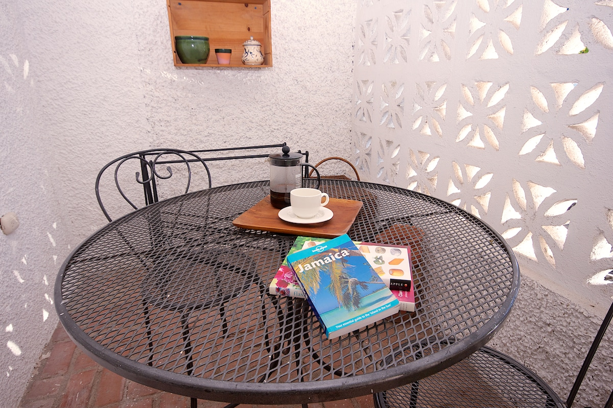 CAFE STYLE PATIO - Read, Relax, Surf the internet...