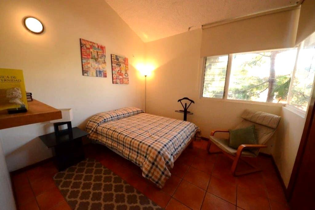 Casa Schumann. 2 Private Bedrooms - Zapopan - House