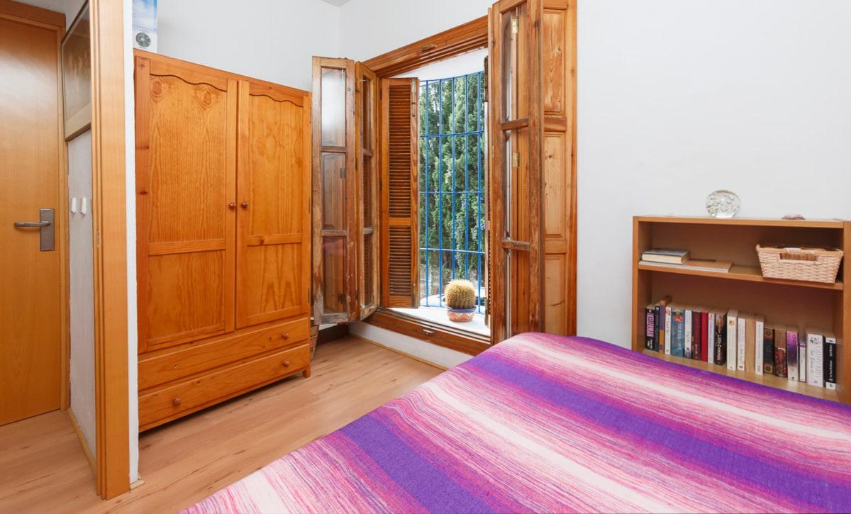 Single room.  Dormitorio independiente.