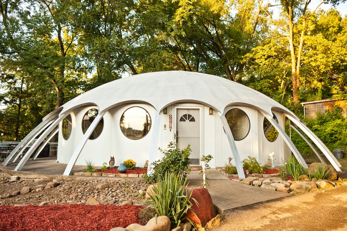 *Dome Sweet Dome! Room for 1