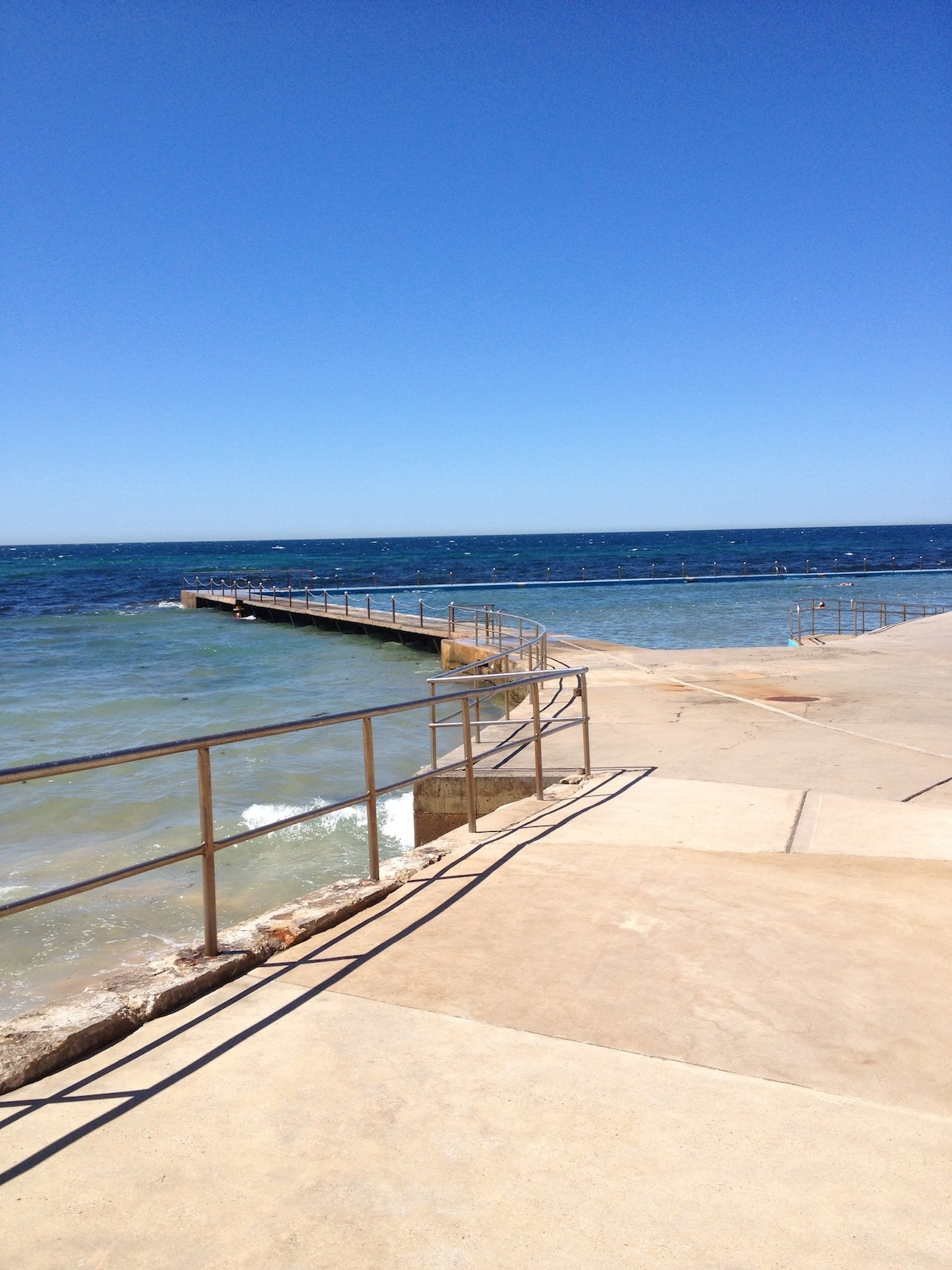 Collaroy Rock Pool, an ocean rock pool at the southern end of Collaroy Beach