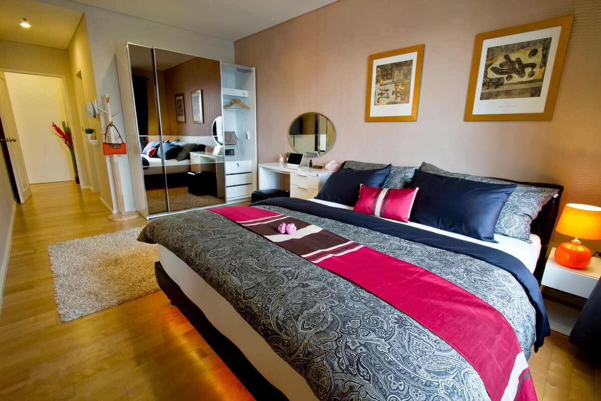 swiss made finest high quality linen (Premium) and very comfortable mattress