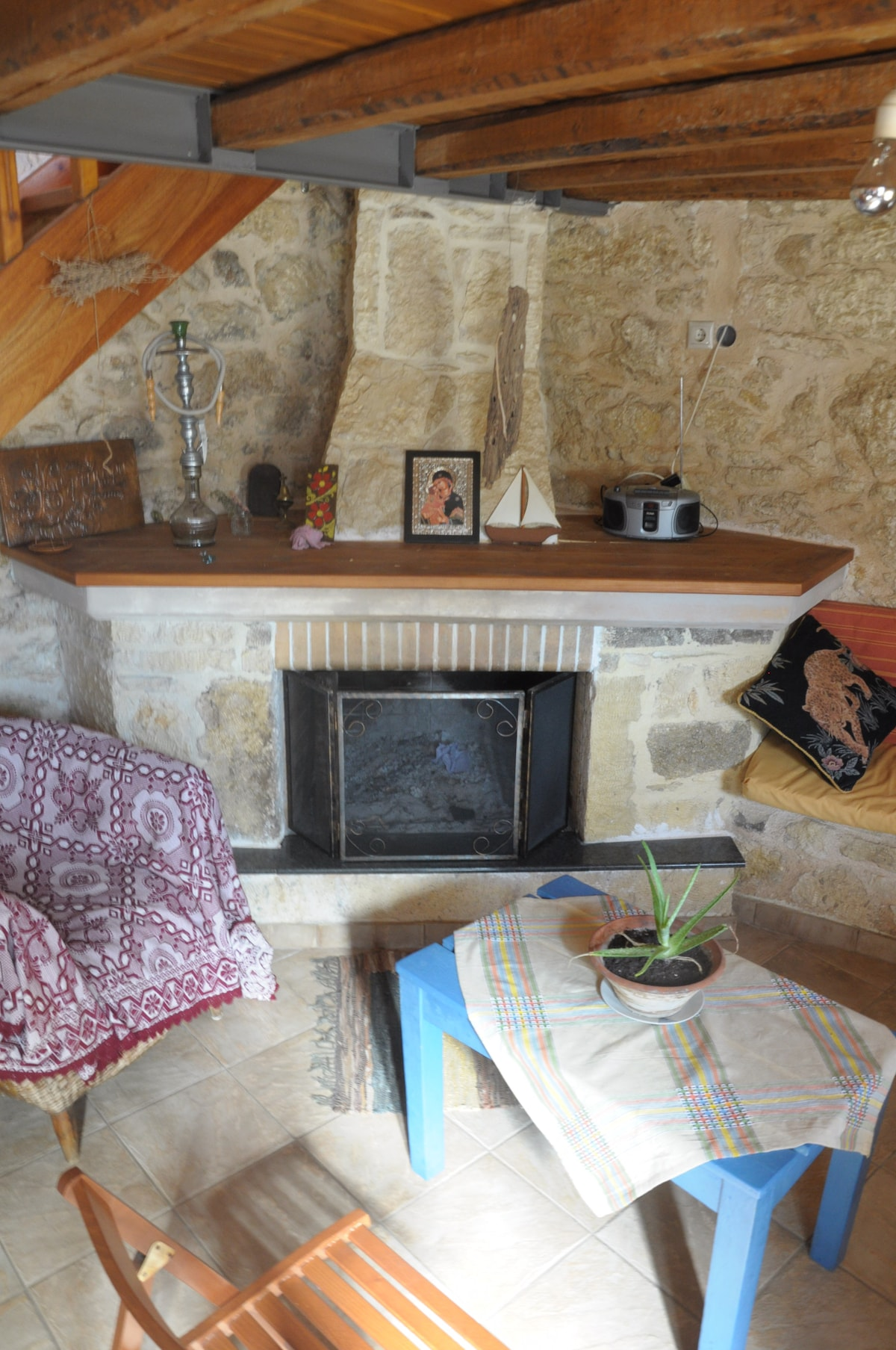 The fireplace works a treat and is great for roasting some local potatoes. During winter some wood will be provided.