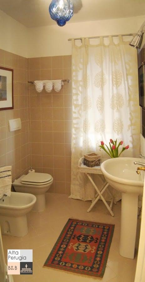 particolare bagno camera C
