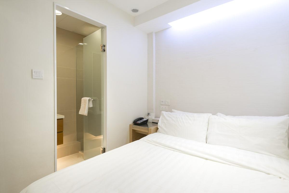 Standard Single Room (E)