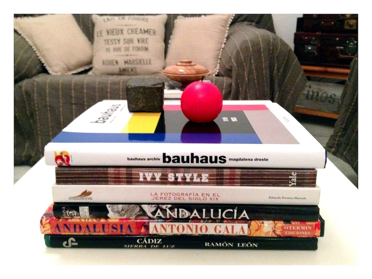 Plenty of books for you to read. Fashion, wine, art, photography, history, cooking, etc.
