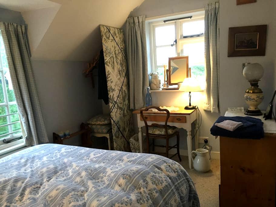 Overton conservation area cottage - Overton - Bed & Breakfast