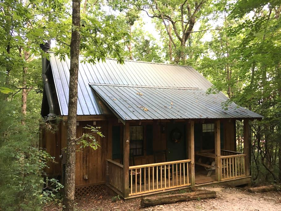 """Deer Tracks"" - Private, Luxury Dog-Friendly Cabin - Sautee Nacoochee - Blockhütte"