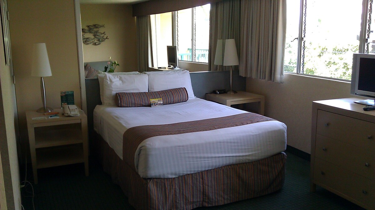Heart of Waikiki Studio Suite