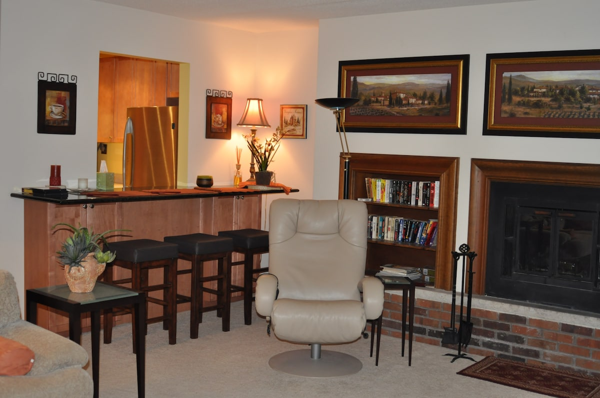 Breakfast bar, fireplace, movies, books, DVDs to enjoy.