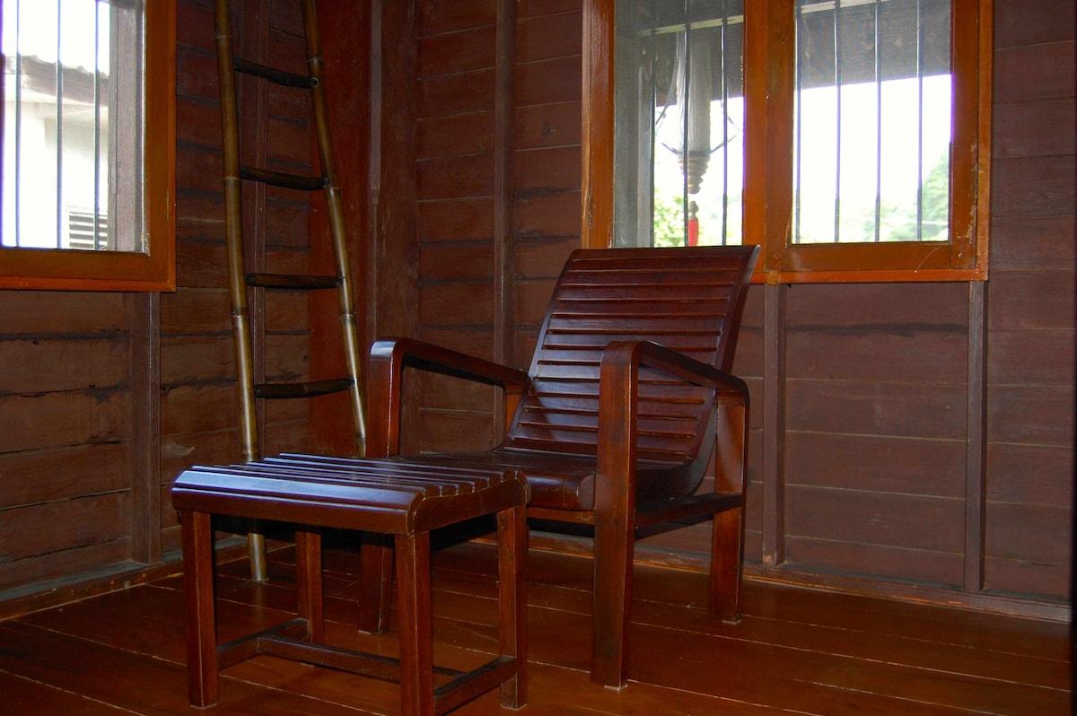 Armchair corner - Coin fauteuil