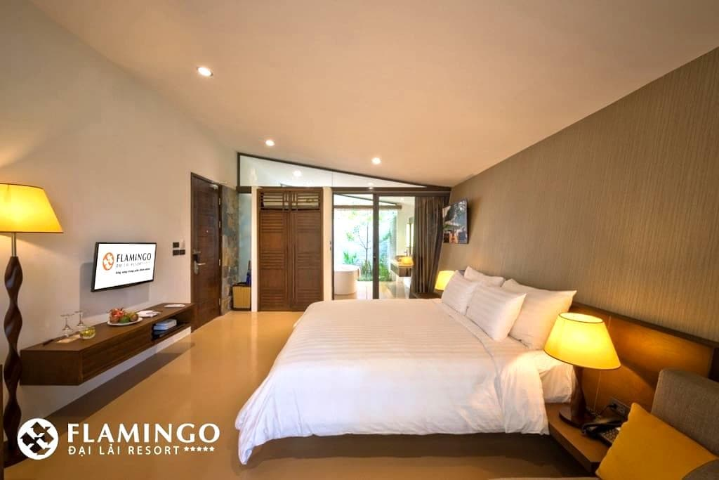 Hilltop villa in Flamingo Dai Lai Resort - tx. Phúc Yên - Banglo