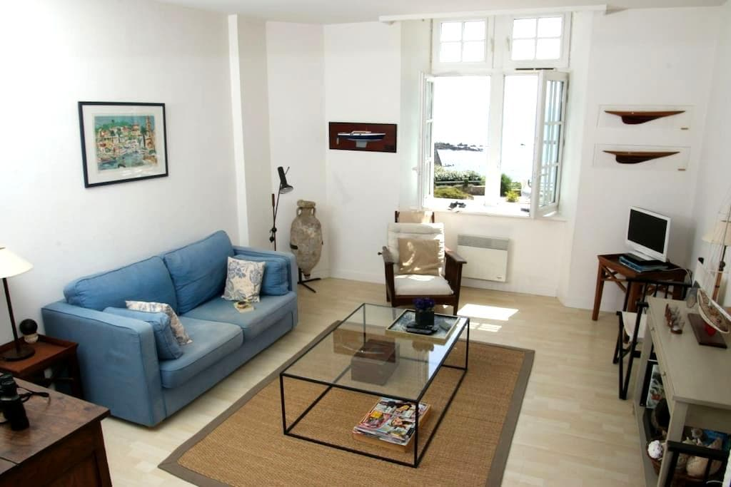 Amazing Ocean View Apartment - Clohars-Carnoët - アパート