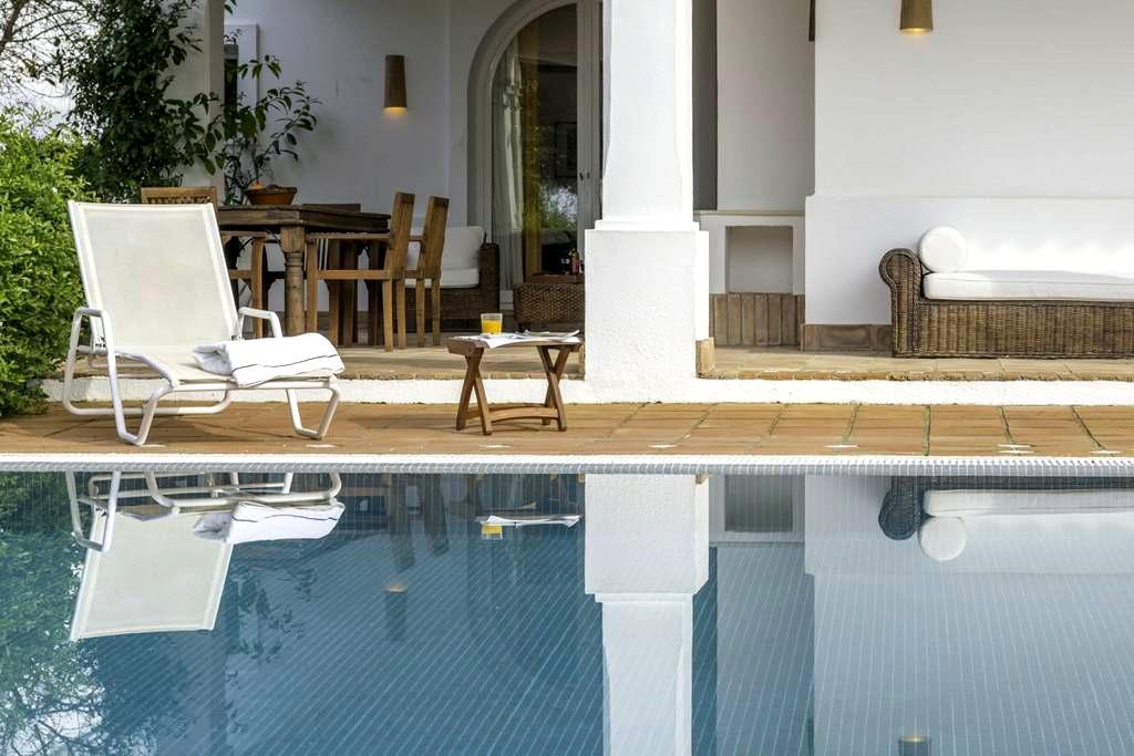 Zinnia - Villa Mediterráneo y piscina para 6 - Benalup-Casas Viejas