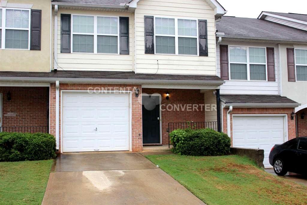 Your Atlanta Home Away from Home - Jonesboro - Şehir evi