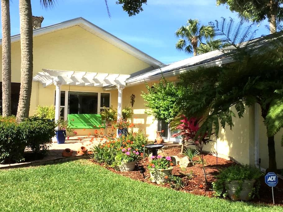 Tranquility on the Caloosahatchee River! - Fort Myers - Huis