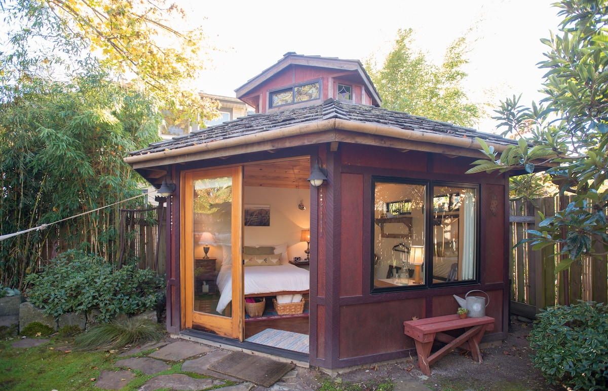 urban garden studio houses for rent in portland oregon united states