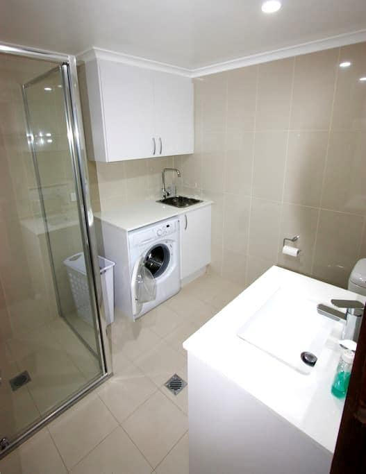 Lyneham Pines Apartment - Lyneham - Pis