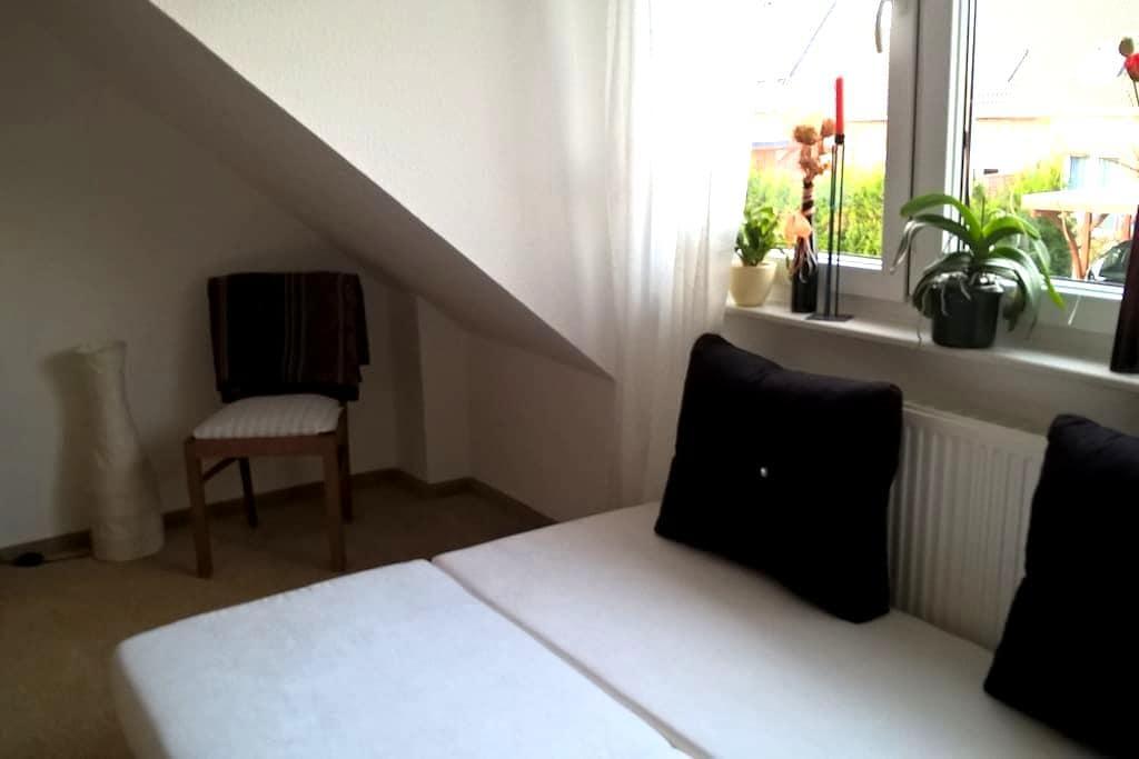 Ruhiges Wohnen in OHZ nahe Bremen ud Worpswede - Osterholz-Scharmbeck - House