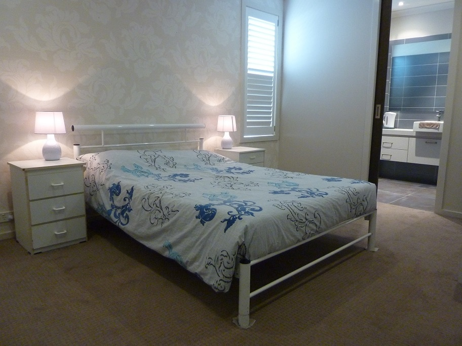 Private EnSuite room4 in Point Cook