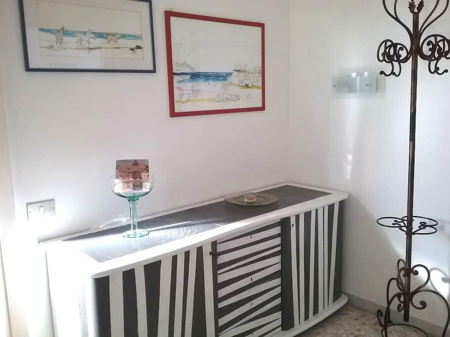 Wide and bright attic with view. - Bari - Apartament