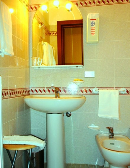Triple Room Pallotta Assisi-center