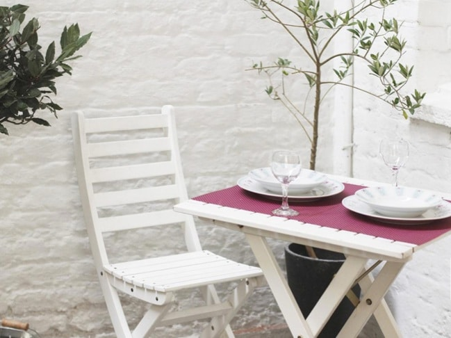 NOTTING HILL *Quiet Private Patio*