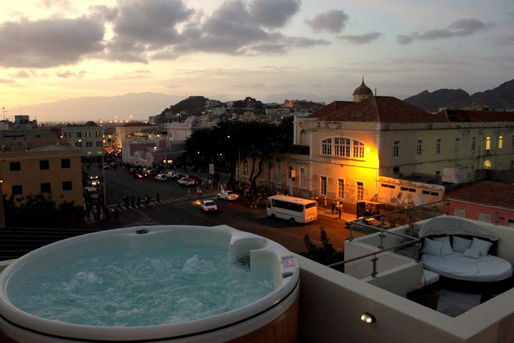 The roof-top Jacuzzi with splendid views of Mindelo